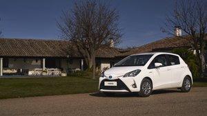 Toyota Yaris hybrid Ecovan.
