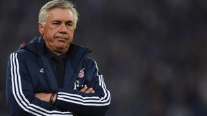 Ancelotti dirigiendo al Bayern de Múnich