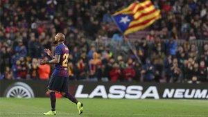 Arturo Vidal fue ovacionado por el público del Camp Nou