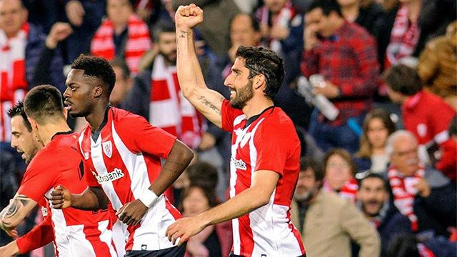 El Athletic bate por la mínima a un discreto Eibar