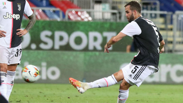 La falta de Pjanic que provocó un penalti a favor de la Juventus