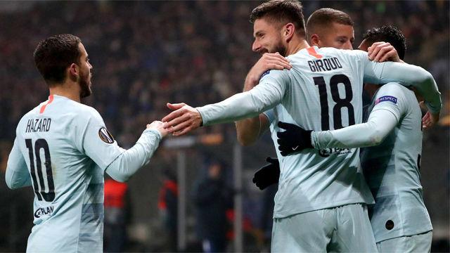 Giroud dio la victoria al Chelsea ante el Bate