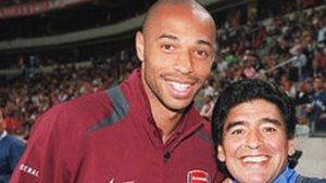 Henry mostró su dolor por la muerte de Maradona