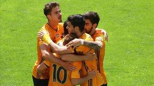 Los Wolves volvieron a la senda de la victoria.