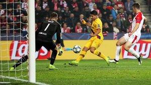 Luis Suárez no rompió su maleficio, pero fue decisivo en la victoria del Barça ante el Slavia