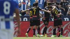 Marc Navarro y Hernán Pérez abrazan a Baptistao tras su gol en Butarque
