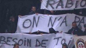 La pancarta de los aficionados del PSG contra Rabiot