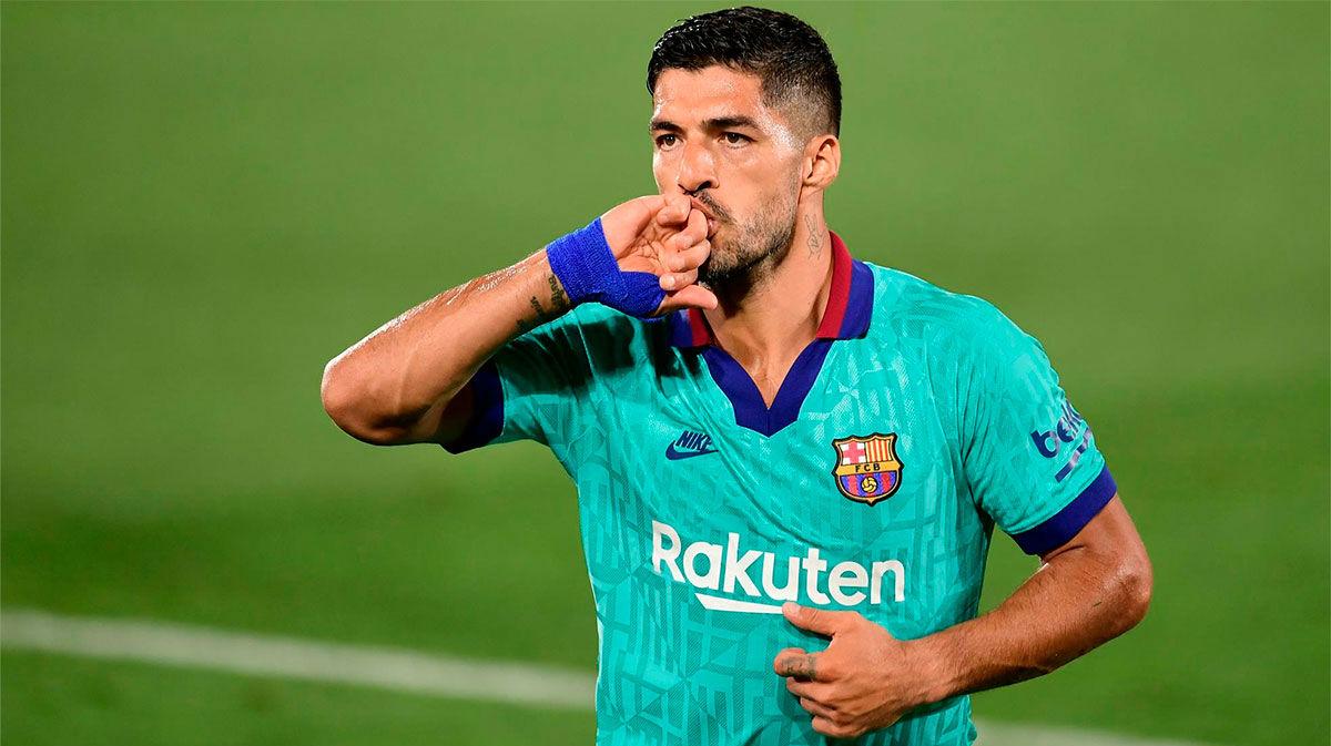 ¡Pistolero Suárez! Vean el golazo del uruguayo por toda la escuadra