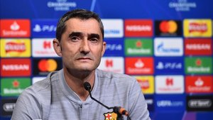 Valverde comparece en la sala de prensa del Philips Stadion