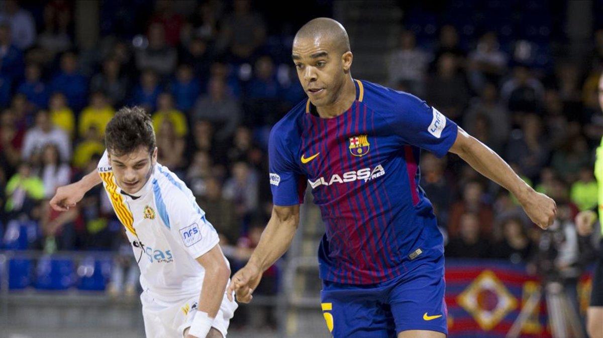 Leo Santana, novedad en el cuarto partido seguido del Barça Lassa en el Palau