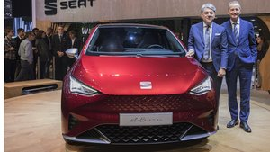 seat-kicks-off-its-e-mobility-offensive-in-geneva 01 hq