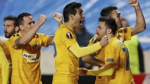 El APOEL celebró or todo lo alto su clasificación