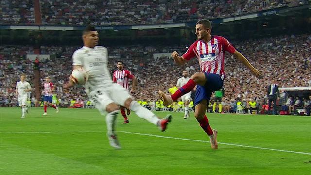 El Atlético pidió manos de Casemiro... que el VAR no concedió