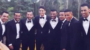 Bartra estuvo acompañado por excompañeros del Barça