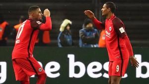 Boateng (izquierda) celebrando su tanto con Haller