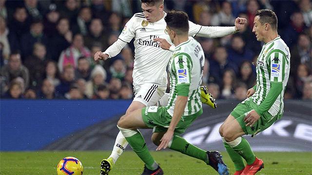 Fede Valverde fue titular en el Betis - Real Madrid