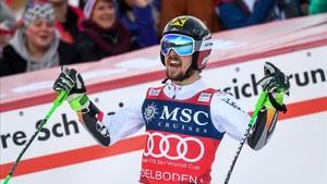 Hisrscher alcanzó las 51 victorias en la Copa del Mundo en Adelboden