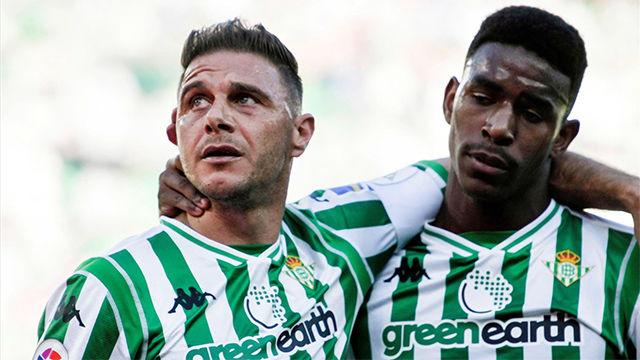 Joaquín marcó un doblete ante el Huesca que no sirvió para meter al Betis en Europa