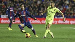 Jordi Alba en acción durante el partido del Barça contra el Levante de la Liga 2018/19 en el Camp Nou
