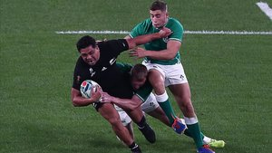 Los All Blacks aplastaron a Irlanda