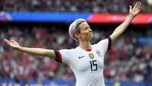 Megan Rapinoe celebra un gol con USA
