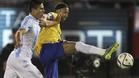 Roncaglia, en un Argentina-Brasil marcando a Neymar