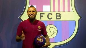 Arturo Vidal es presentado como nuevo jugador del Barcelona