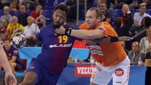 El Barça sufrió mucho para ganar al Kristanstad en el Palau (31-29)