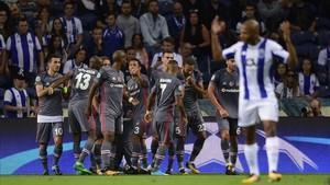 El Besiktas barrió al Porto en Do Dragao y se sitúa líder de grupo