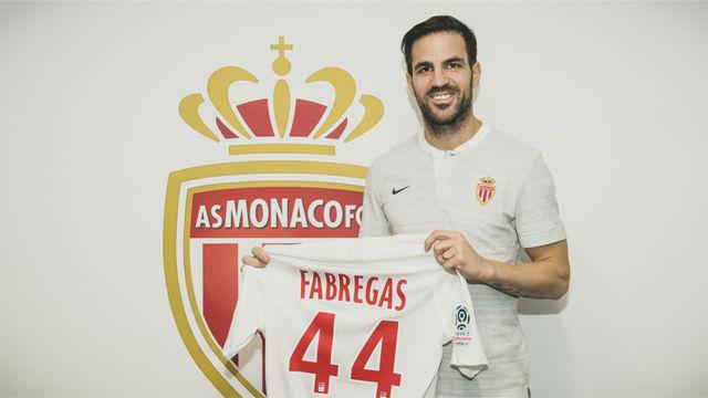 Cesc Fàbregas ya posa con la camiseta del Mónaco