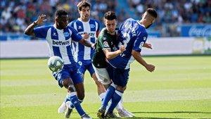 El Deportivo Alavés necesita de una victoria para poder alejarse de la zona de descenso