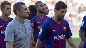 Ernesto Valverde y Leo Messi el día del Trofeu Joan Gamper 2018
