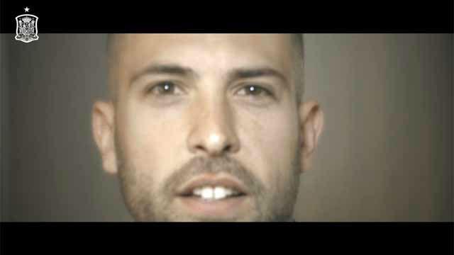 ¡No falles!. Los jugadores de España animan a que se llene Mestalla
