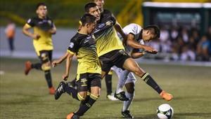Futbolistas guatemaltecos levantaron el paro