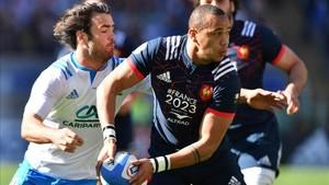 Gael Fickou firmó el primero de los cuatro tries franceses en el Olímpico de Roma