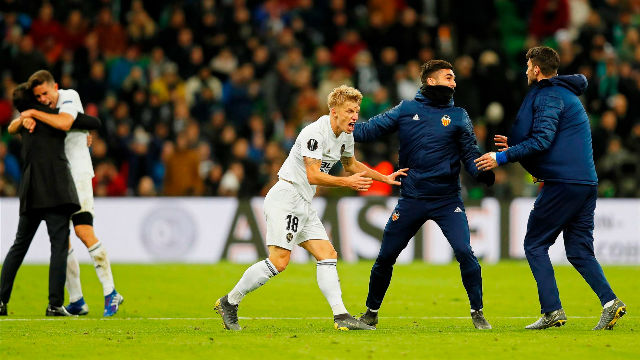 El gol de Guedes que enloqueció a la afición del Valencia