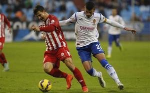 Jaime Álamo, con el Zaragoza, en un partido ante el Girona