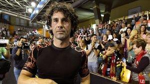Juanín García recibió un cálido homenaje de despedida en León