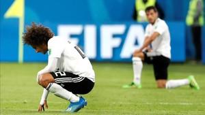 Jugadores egipcios tras su eliminación en el mundial