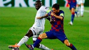 Koulibaly, en acción ante Messi la semana pasada