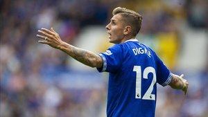 Lucas Digne en un partido oficial con el Everton