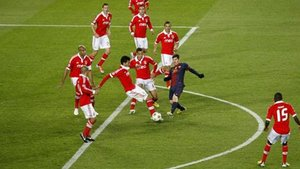 Messi, contra el Benfica, en octubre de 2012. Ganó el Barça 0-2 con goles de Alexis y Cesc y asistencias del ahora capitán azulgrana
