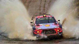 Neuville, durante el Rally de Argentina