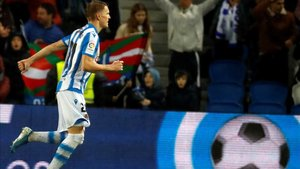 Odegaard celebra un gol con la Real Sociedad