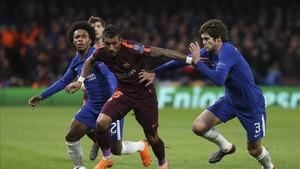 Paulinho sufrió mucho en el partido ante el Chelsea