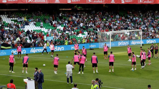 El público del Benito Villamarín enloquece con la selección