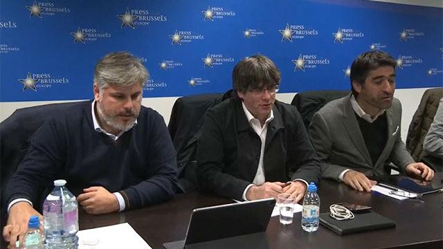 Puigdemont sigue los resultados electorales desde Bruselas