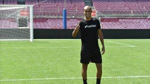 Rivaldo en el césped del Camp Nou