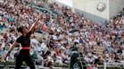 Serena sirviendo en su último encuentro jugado en París