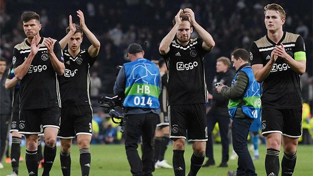 El Ajax se adelanta en Londres y se acerca a Madrid